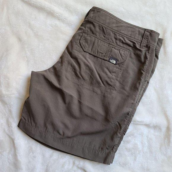 The North Face Nylon Outdoor Shorts Gray Cargo 6US